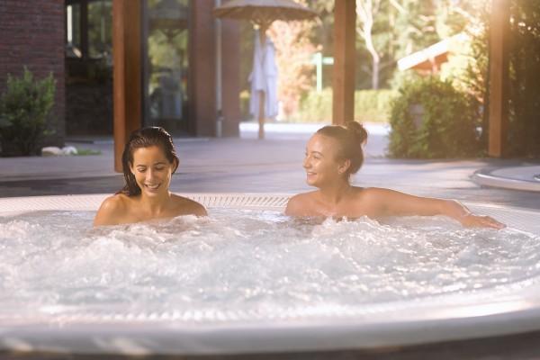 Sauna baden gay baden Sauna nudiste